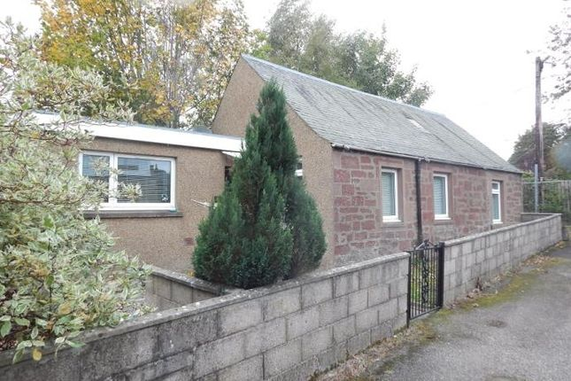 Thumbnail Cottage to rent in Glengate, Kirriemuir