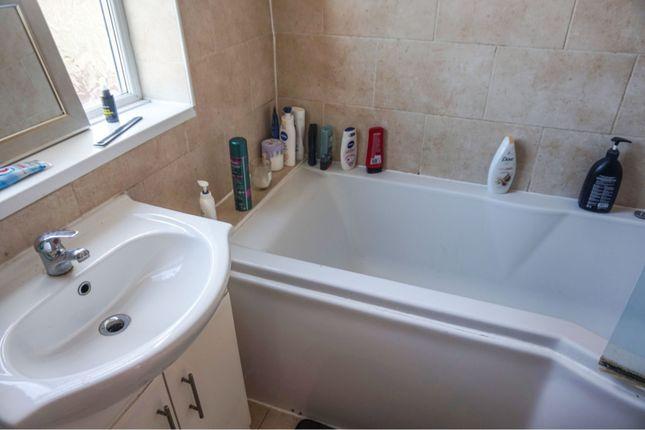 Bathroom of Linden Road, Northampton NN3