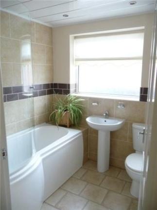 Bathroom of Fieldhouse Avenue, Thornton FY5