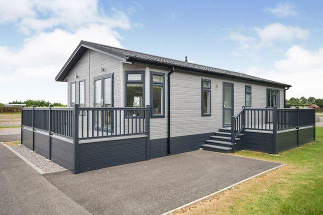 2 bed mobile/park home for sale in Walls Lane, Ingoldmells PE25