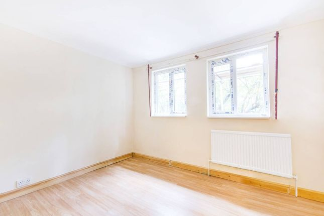 Thumbnail Property to rent in Clifton Way, Peckham