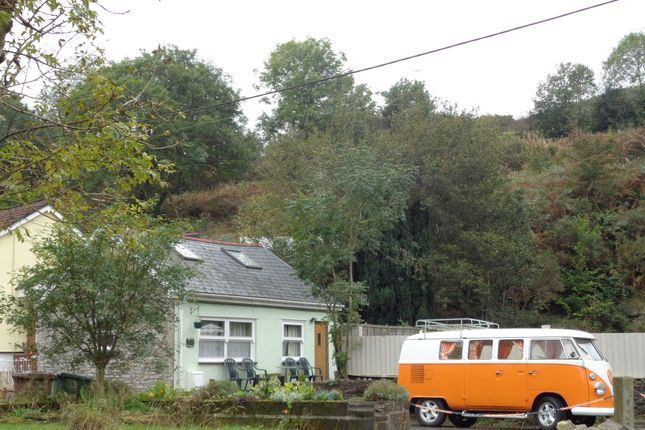 Thumbnail Cottage to rent in Railway Terrace, Hollybush, Blackwood