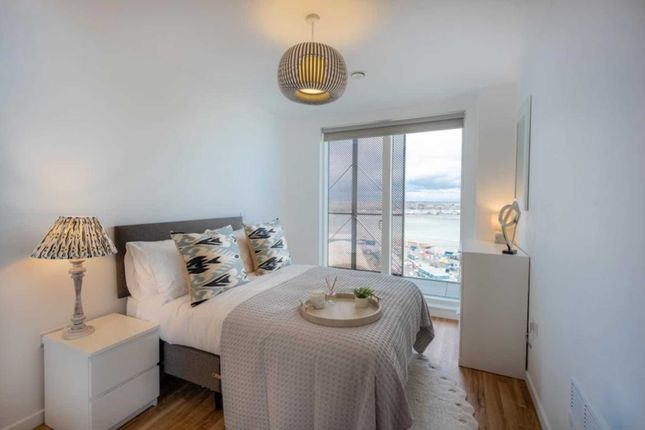 2 bed flat for sale in Gate Road, Chatham ME4