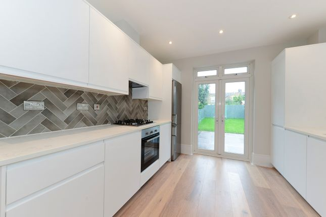 Thumbnail Terraced house to rent in Davenport Road, Catford