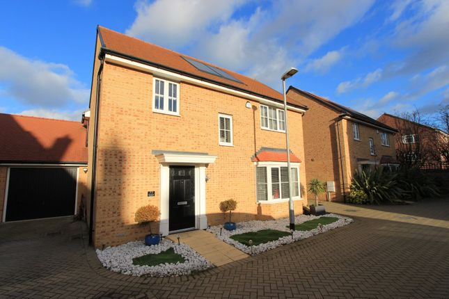 4 bed detached house for sale in Claremont Crescent, Rayleigh