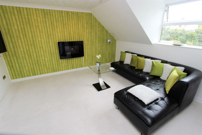 Thumbnail Flat for sale in Cleve Terrace, Torquay