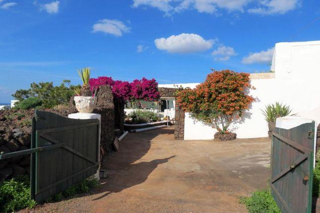 Thumbnail Villa for sale in Las Brenas, Lanzarote, Spain
