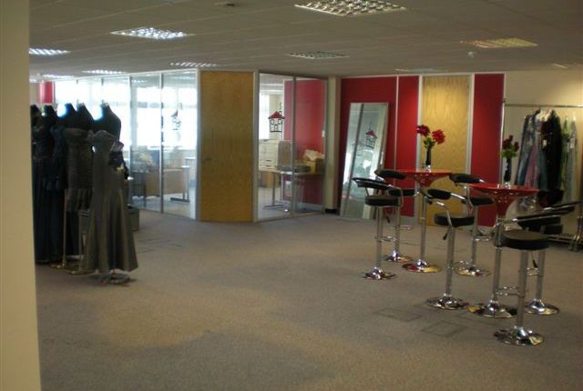 Thumbnail Office to let in Stirling Way, Borehamwood