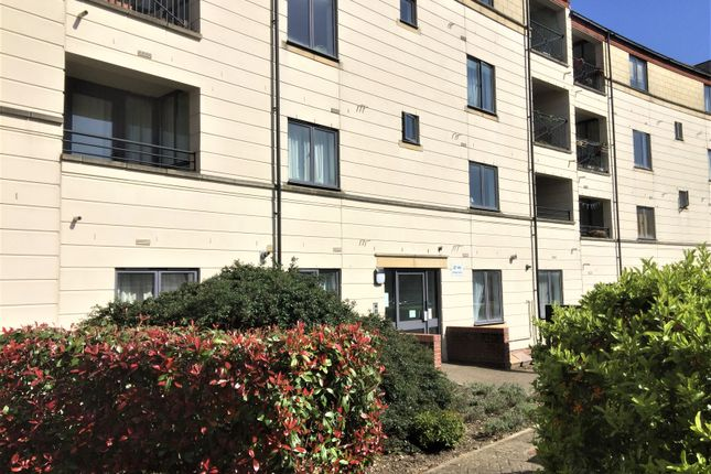 Flat to rent in Tollington Way, Holloway