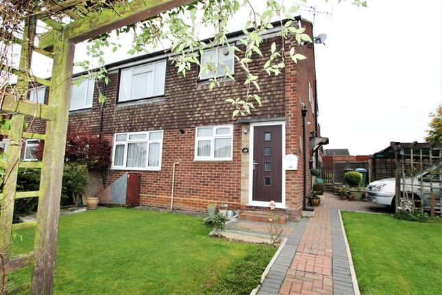 Thumbnail Flat for sale in High Road, Leavesden, Watford