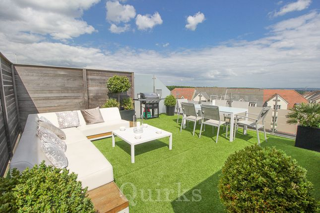 2 bed flat for sale in High Street, Billericay CM12