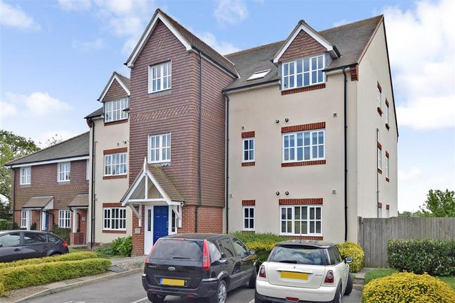Thumbnail Flat for sale in Tilemakers Close, Westhampnett, Chichester, West Sussex