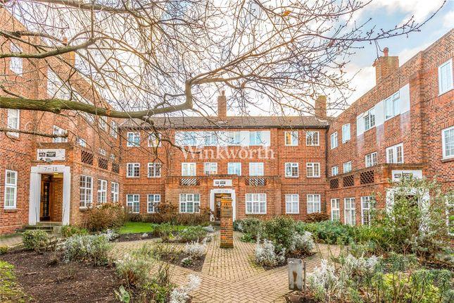 Flat to rent in Beechcroft Avenue, London