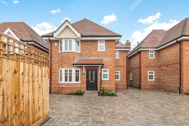 Thumbnail Detached house for sale in Dropmore Road, Burnham, Slough