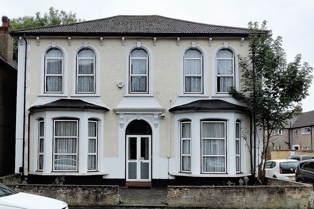 Thumbnail Detached house to rent in Campbell Road, Croydon, Surrey