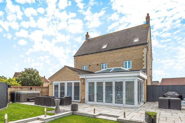 Thumbnail Detached house for sale in Longmeadow Drive, Wilstead