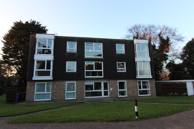 Thumbnail Flat to rent in Dell Road, Lowestoft