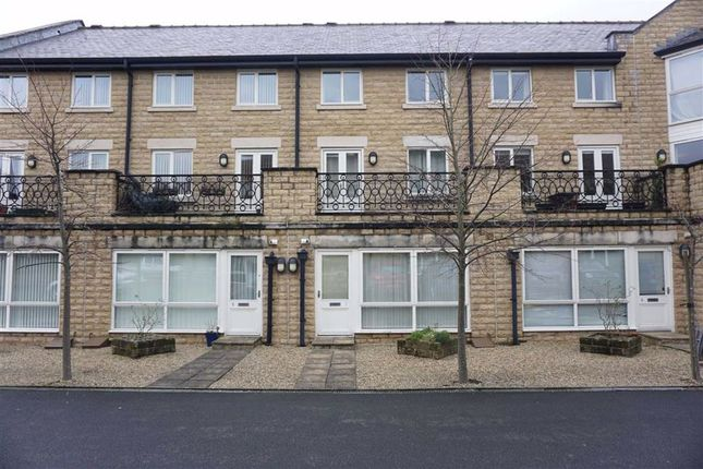 Flat for sale in Simpson Apartments, The Royal, Halifax
