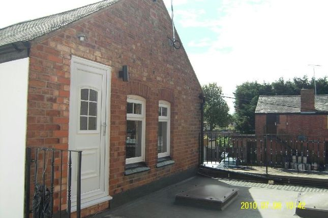 Thumbnail Flat to rent in Cross Street, Blaby, Leicester