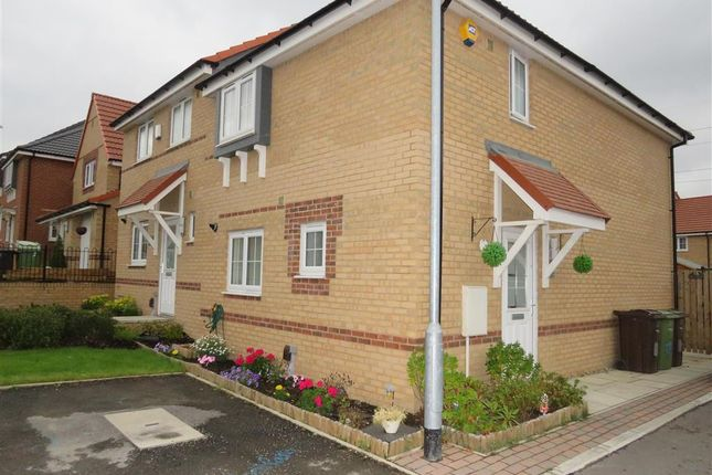 Thumbnail Semi-detached house to rent in Corbett Drive, Wakefield