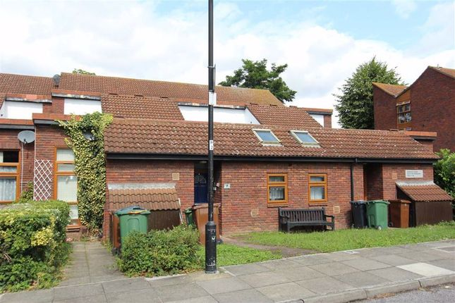 Thumbnail Flat for sale in Bowyer Court, North Chingford, London