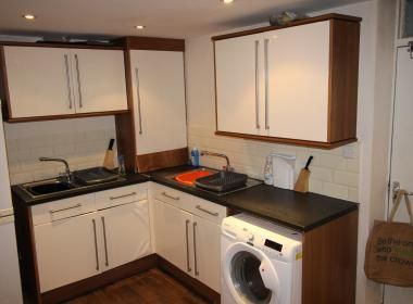 Terraced house to rent in 26 Regent Park Terrace, Hyde Park