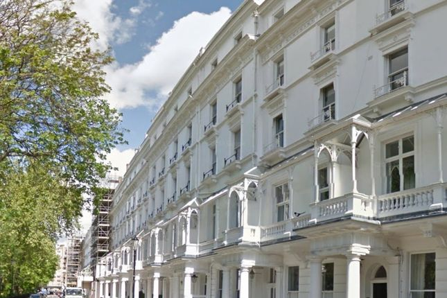 Thumbnail Property to rent in Cadogan Place, Knightsbridge