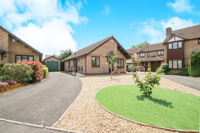 3 bed terraced house for sale in The Oaks, Taunton