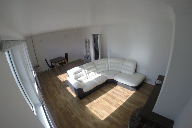 Lounge of Alderwood Road, West Cross, Swansea SA3