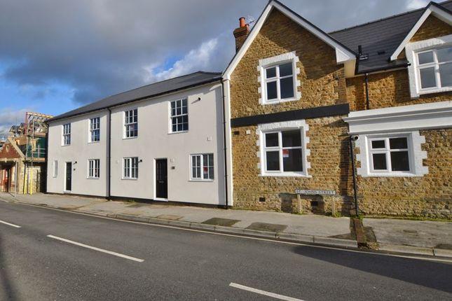 Thumbnail Flat for sale in Fern Road, Godalming