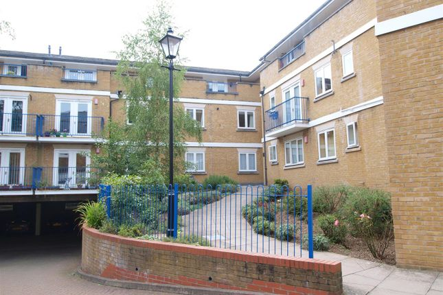Thumbnail Flat to rent in Weymouth House, Hill House Mews, Bromley
