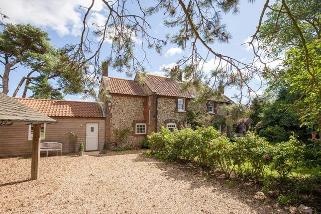 Thumbnail Cottage for sale in Barwick, Stanhoe, Norfolk