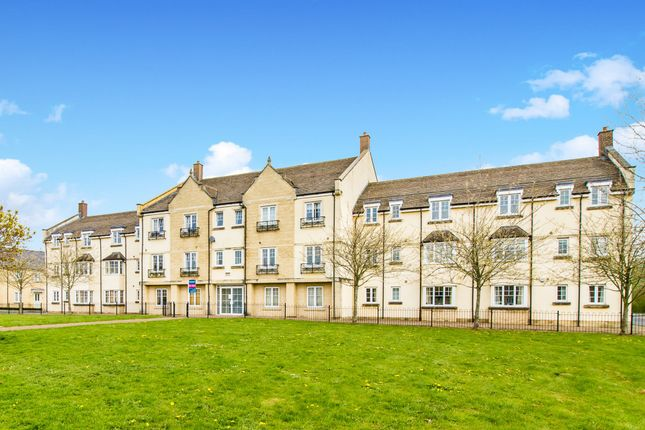 Thumbnail Flat to rent in Woodley Green, Witney, Oxfordshire