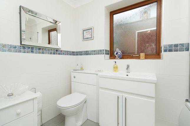 Bathroom of Peacock Close, Killamarsh, Sheffield S21