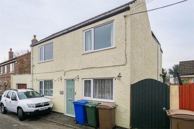 2 Bed Cottage For Sale In Beer House Lane Welwick Hull Hu12 Zoopla