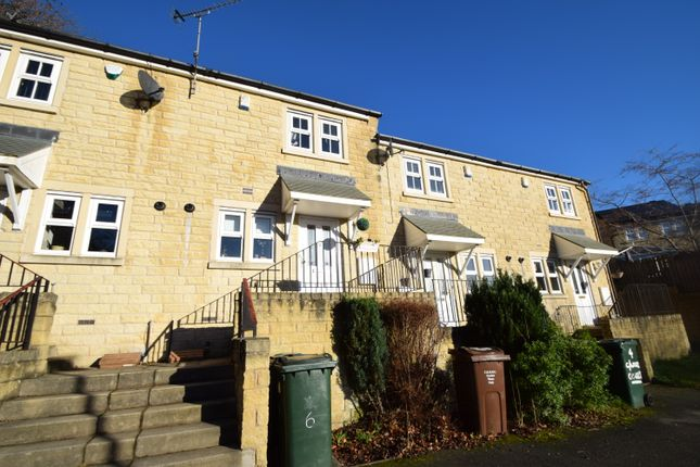 Thumbnail Town house to rent in Camwood Court, East Morton, Keighley
