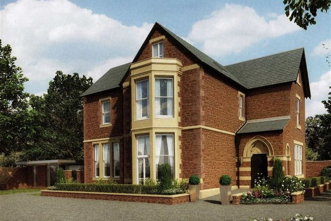 Thumbnail Flat for sale in The Avenue, Ross On Wye, Herefordshire