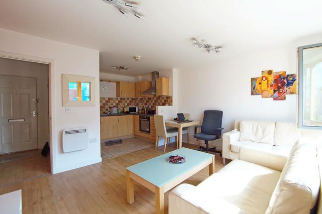 1 bed flat to rent in Ratcliffe Court, Sweetman Place, City Centre, Bristol BS2