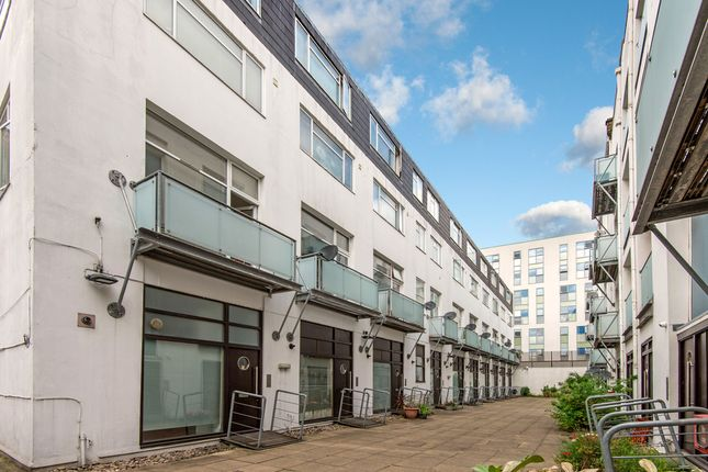 Thumbnail End terrace house for sale in Empire Square, London