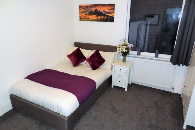 Thumbnail Room to rent in St Georges Road, Hull