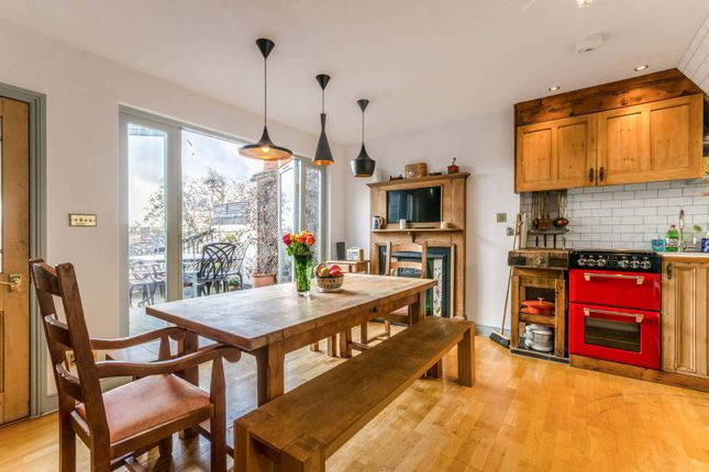 Thumbnail Maisonette to rent in Great Percy Street, Clerkenwell, London