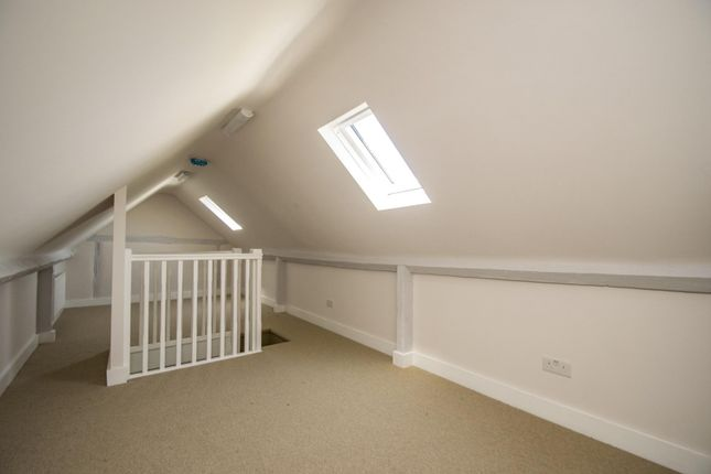 Loft Room of Icknield Cottages, High Street, Streatley, Reading RG8