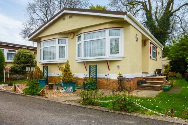 Manor Road, Woodside, Luton LU1