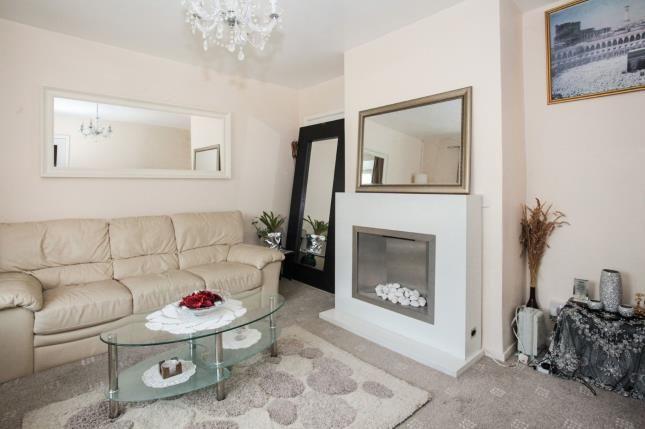 Lounge of Southdrift Way, Luton, Bedfordshire, England LU1