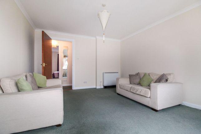 Lounge of Back Hilton Road, Aberdeen AB25