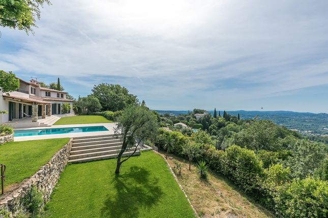Villa for sale in Chateauneuf Grasse, French Riviera, France