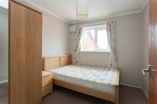 Thumbnail Flat to rent in Stoneleigh Court, Severn Grove, Pontcanna, Cardiff