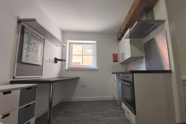 Thumbnail Studio to rent in Pacific Court, 39 High Street, Hull