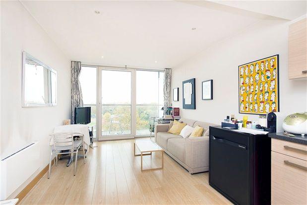 1 bed flat for sale in Eustace Building, One Bedroom. Chelsea Bridge