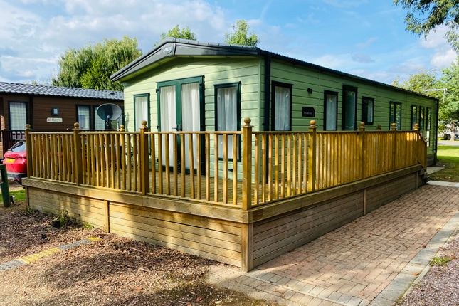 2 bed mobile/park home for sale in Silverhill Holiday Park, Lutton Gowts, Lutton, Spalding, Lincolnshire PE12
